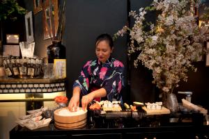 catering-aperitivos-cocina-oriental-sushi-artesanos-eventhouse